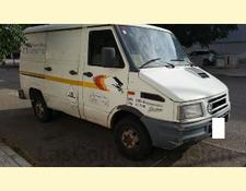Iveco closed box van DAILY 30-8